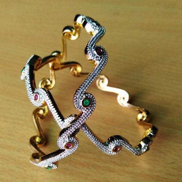 Ad Bangles With Beautiful Zig Zag Design For Women Online